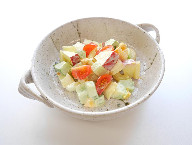 瓜あさづけとりんごのサラダ