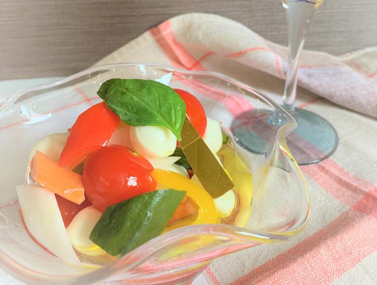 【スティックピクルスで】モッツァレラとミニトマトのサラダ