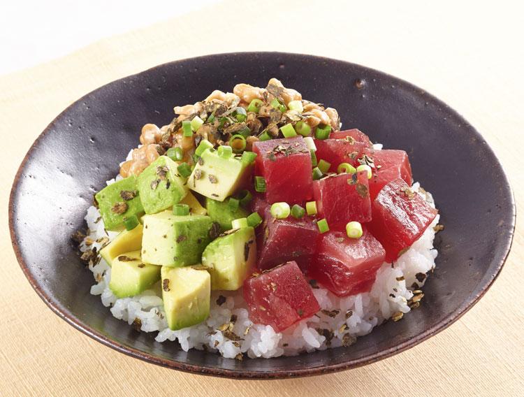 【大根菜フレークで】マグロアボカド納豆丼