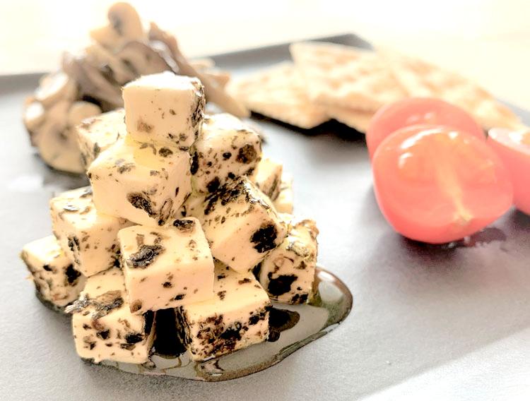 【津田かぶ菜ふりかけで】クリームチーズのオイル漬