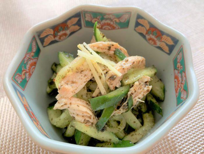 【津田かぶ菜ふりかけで】きゅうりとささみの和え物