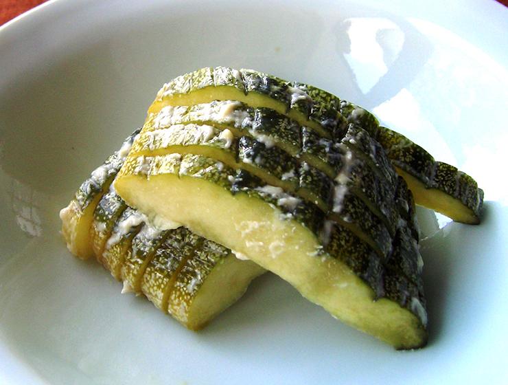 青しま瓜の粕漬皿盛り