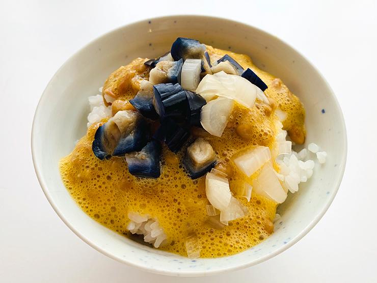 納豆たまごかけご飯・りんご茄子と砂丘らっきょうバージョン