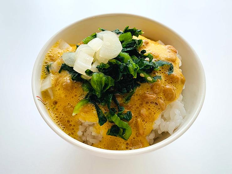納豆たまごかけご飯・高菜刻み・らっきょう漬バージョン