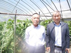 りんご茄子の生産者さんと社長